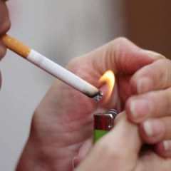 1142: Αυξημένες την Τετάρτη οι κλήσεις για τον αντικαπνιστικό νόμο