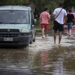 Θεσσαλονίκη: 44 κλήσεις για αντλήσεις υδάτων δέχθηκε η Πυροσβεστική
