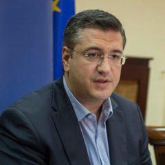 Τζιτζικώστας: Μείωση ιικού φορτίου 50% στα λύματα της Θεσσαλονίκης – Κλειστά σχολεία ως τα Φώτα