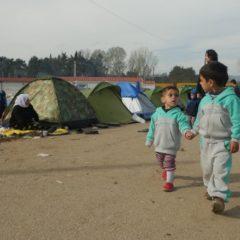 Ξεκινάει η μετεγκατάσταση ασυνόδευτων ανηλίκων σε ευρωπαϊκές χώρες