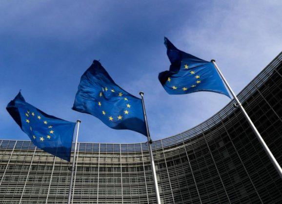 """Κομισιόν: """"Πράσινο"""" φως στο πακέτο στήριξης για την εστίαση ύψους 500 εκατ. ευρώ"""