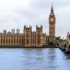 Λονδίνο: «Λουκέτο» σε παμπ, εστιατόρια και θέατρα για τρίτη φορά